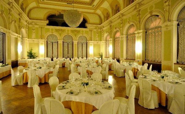 Mit Eleganz und Klasse der Salone delle Feste bietet bis zu 180 Gäste